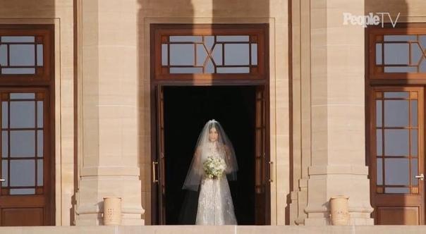 Первые свадебные фото Приянки Чопра и Ника Джонаса ? Свадебное платье Приянки сшил ее друг — дизайнер Ральф Лорен, который до сих пор создавал подвенечные наряды лишь для членов своей