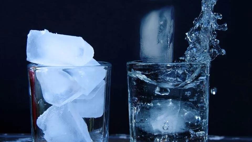 Лед для лица из минеральной воды
