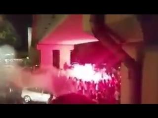 Албанцы так счастливы победе Швейцарии над Сербией, что вышли на улицы
