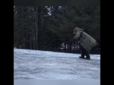 Весело на улице на ледяных дорогах ))