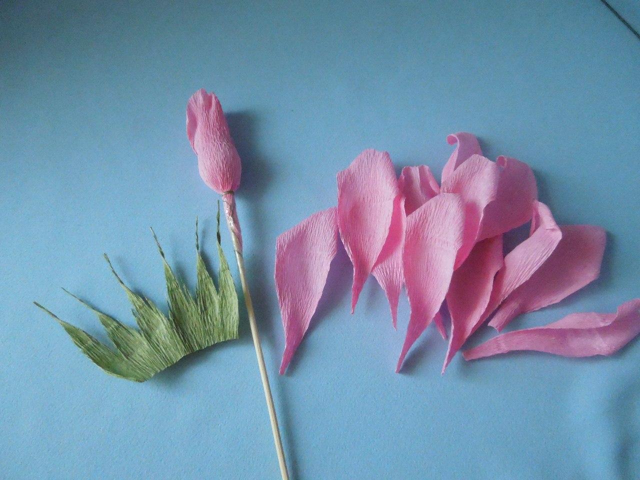 Розы цветы из гофрированной бумаги своими руками пошаговая инструкция фото