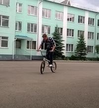 Влад Антоневич