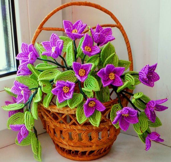 Схеми виробів з бісеру квітів.