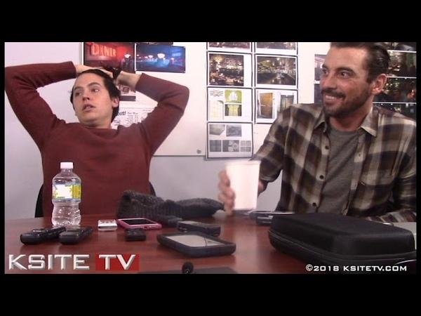 Cole Sprouse Skeet Ulrich   Riverdale Season 3   Jughead F.P.