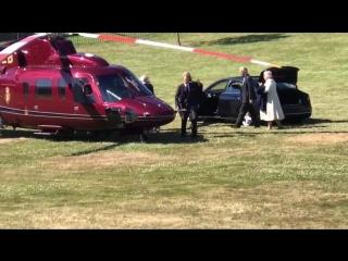 Принцесса Шарлотта провожает принца Чарльза и герцогиню Корнуольскую, 22.06.2018