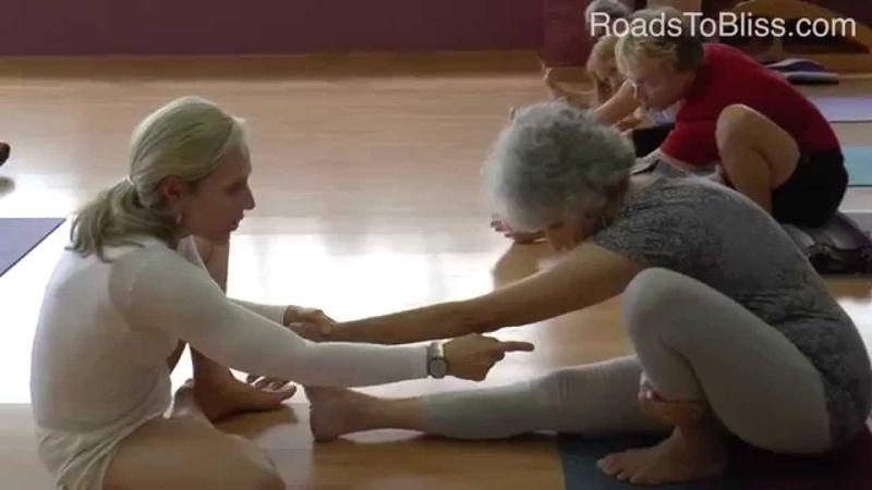 Marichyasana 1Bakasana with Carrie Owerko (Iyengar Yoga Principles 5)