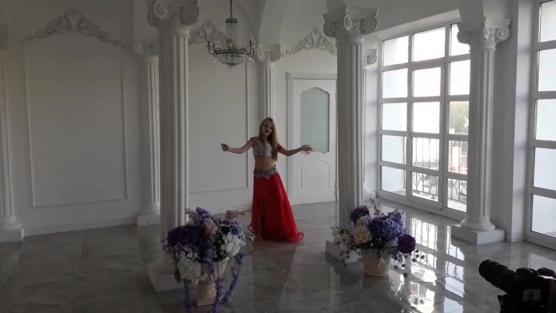 Виктория Глухова 8 лет в Light Hall на съемках клипа студии НИКА