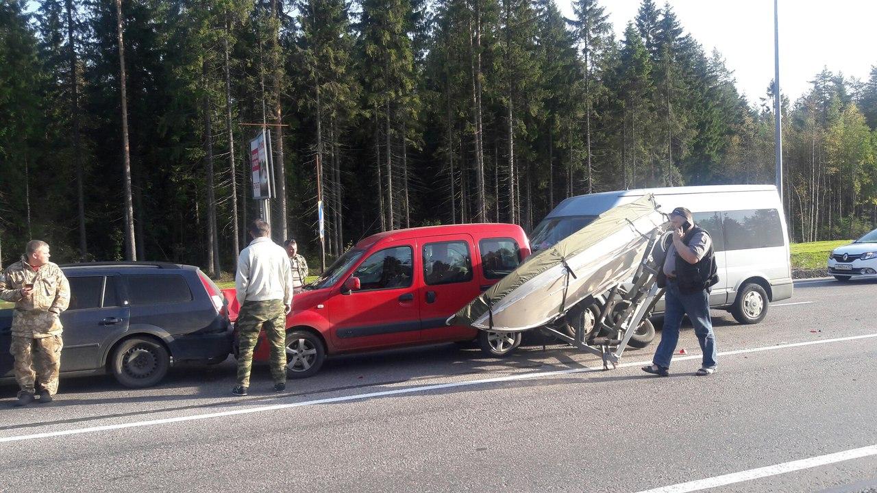 ДТП слодкой собрало пробку в10км натрассе «Скандинавия»