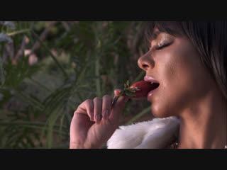 Hot brazilian model débora oliver -love it