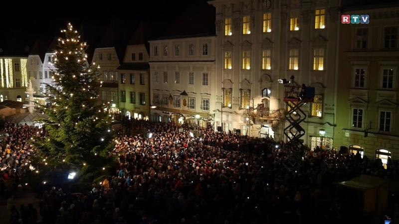 Stille Nacht heilige Nacht Der größte Chor Österreichs sang Stille Nacht am Stadtplatz Steyr