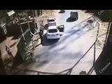 В Тюмени сотрудники переправы напали на полицейского