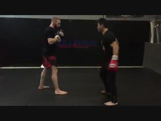 Обучающий видеоролик по ударной технике для правшей против левшей.