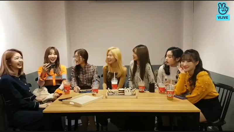 Dami Pay attention pls, Dongie have smth to say. - All stop and look at Dong - HD Dongie_ You are getting more beautiful again_