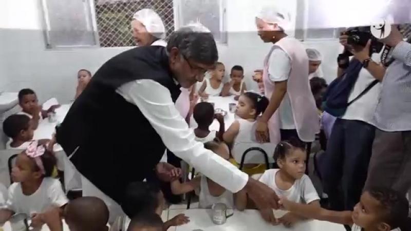 Divaldo Franco recebe a visita de Kailash Satyarthi (Prêmio Nobel da Paz 2014)