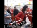 Сестры воровки устроили истерику после того как их поймали за руку в магазине