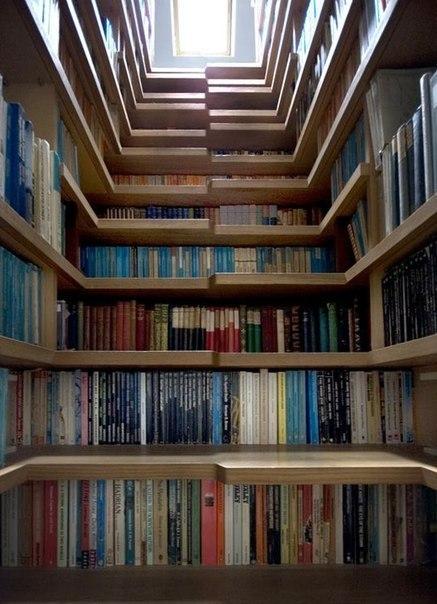 Лестница-библиотека