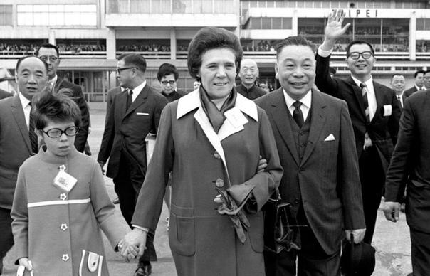Как сестра Владимира Ильича Ленина воспитала президента Тайваня, и почему тот считал русских женщин лучшими спутницами для политика Президент Тайваня Цзян Цзинго, время правления которого