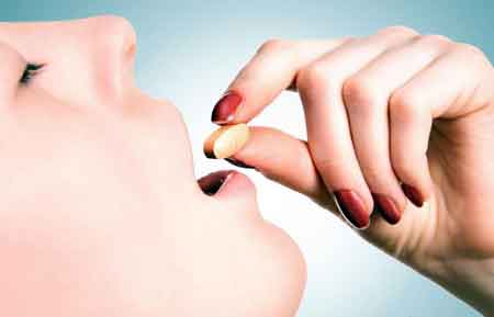 Женщины, которые принимают витамины для беременных, часто сообщают о плохом вкусе во рту сразу после глотания витамина.