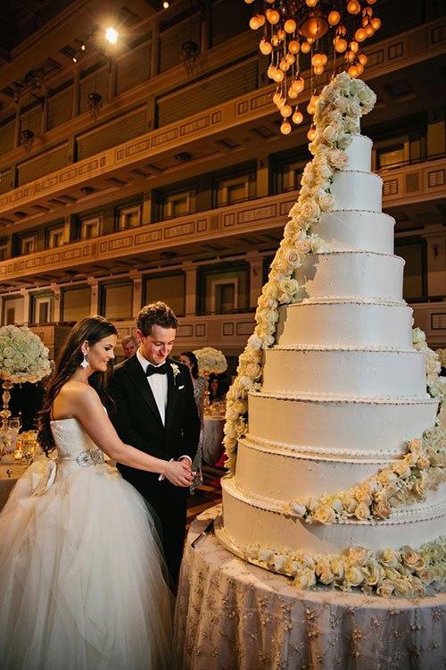 h8mxdp5Q8jQ - Изумительная свадьба в стиле Гламур (25 фото)