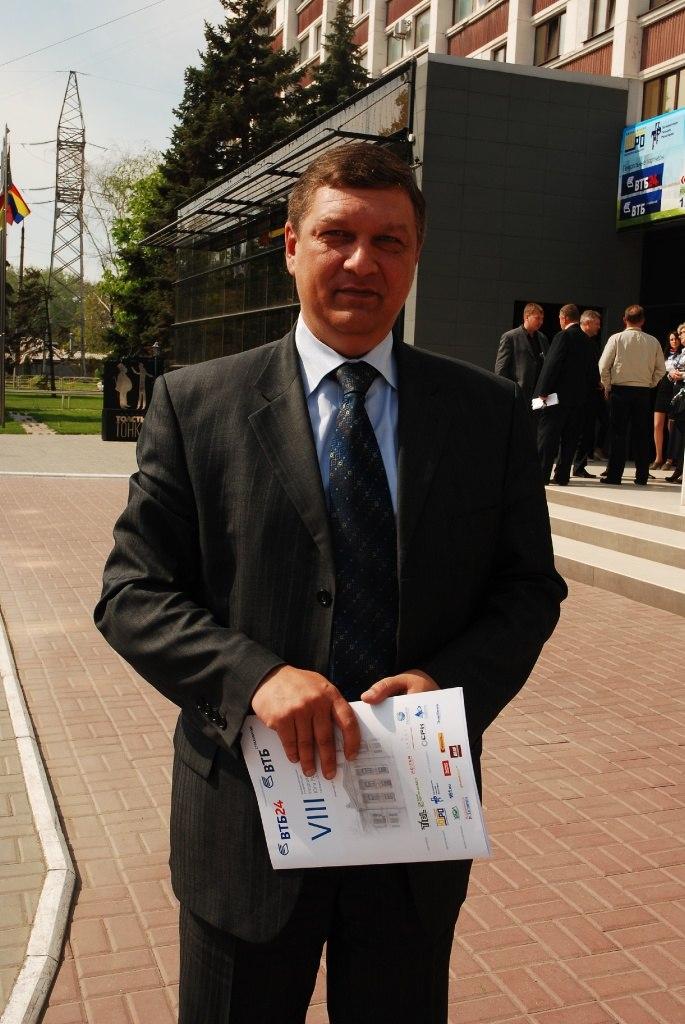 Скончался председатель Контрольно-счетной палаты города Таганрога Юрий Лакаев