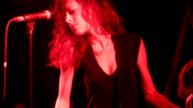 Melissa Auf der Maur - Head Unbound (live München 591 06.12.2010)