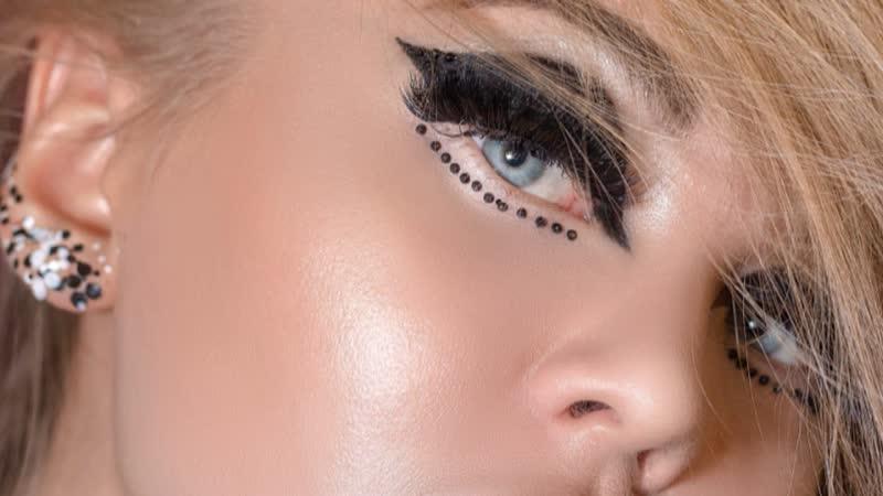 Fashion-макияж, уроки курса Визажист.Professional Европейской Академии бьюти-мастеров