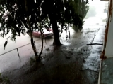 На видео не видно но там жесть какой дождь.Дождь не люблю но молнию с мощным громом обожаю