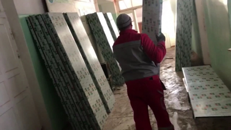 Монтаж 200 окон. Школа N 15 г. Краснотурьинск