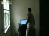 Изменил звуки Windows чтобы испугать друга