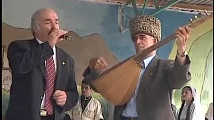 Лезгинская народная песня Поет Тарлан Мамедов играет Ашуг Сакит