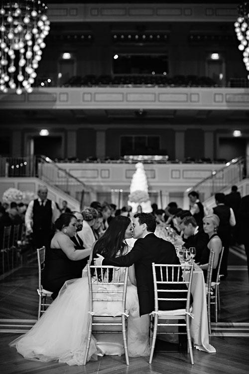 2cNs5g6a9Sk - Изумительная свадьба в стиле Гламур (25 фото)