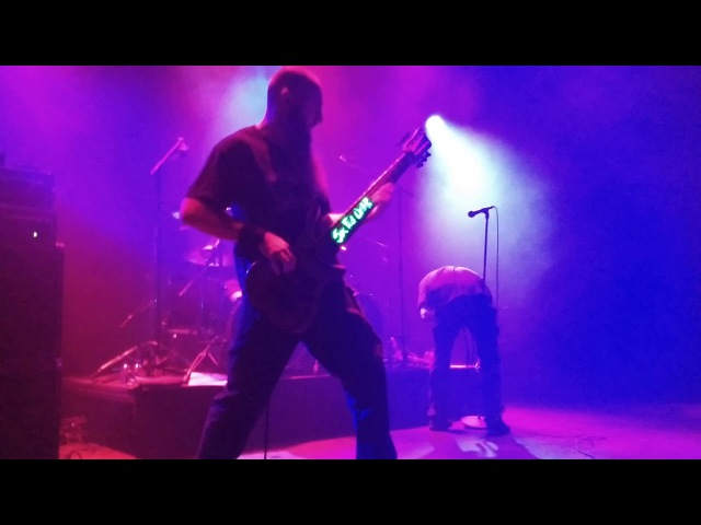 Six Feet Under (Live @ Bergen op Zoom, Holland)