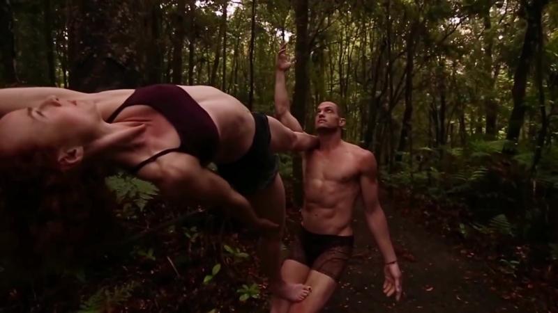 Max Oazo - What Is Love [feat. Cami] ¦ Acro Yoga Amy Olson Aaron McCoy (vk.com/vidchelny)