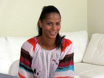 FemaleAgent E239 Isabella