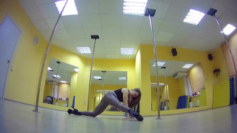 Exotic pole dance