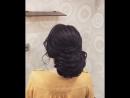 Текстурная, при этом сдержанная причёска
