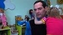 Мужчина бросил все и устроился в детдом, чтобы видеться с дочерью