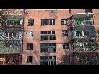 Массированные обстрелы в городах Донбасса за сутки унесли жизни семи человек - Первый канал