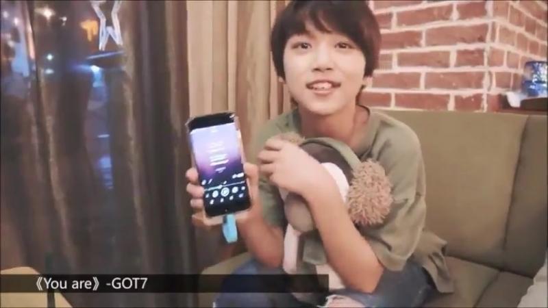 [Видео] 180825 @ Плэйлист Мин Руи из китайской группы JYPE BOY STORY содержит You Are - GOT7 and District 9 - Stray Kids