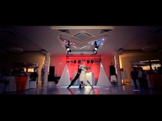Красивый первый медленный свадебный танец молодожен с сюрпризом (грязные танцы)