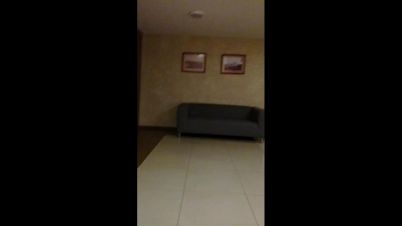 Из комнаты 549