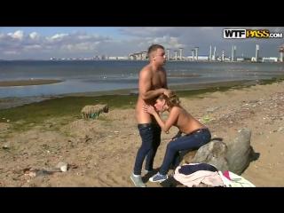 пикап на нудистском пляже