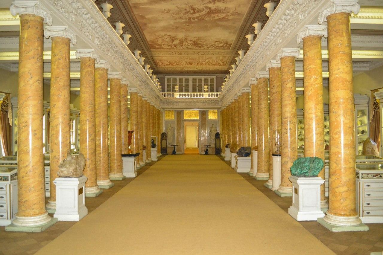 Колонный зал Горного музея