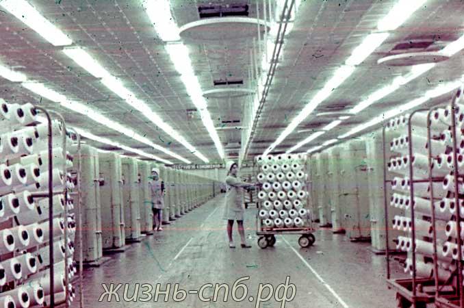 Каунас. В цехе завода искусственного волокна