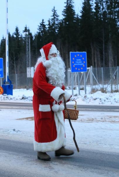Сходил на утренник. Трезвый Дед Мороз это позор и неуважение к детям. Жалкое зрелище. Безответственно являться в таком виде на праздник. Год назад приходил пьяным, подарил малышам вулкан юмора и