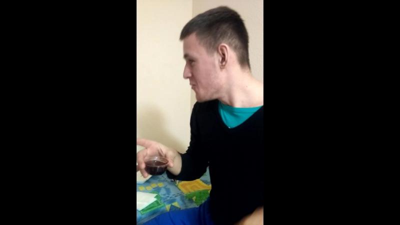 Митяй пьёт соевый соус