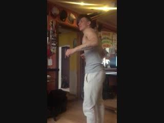 и я танцую как мальчишка на дискотеке