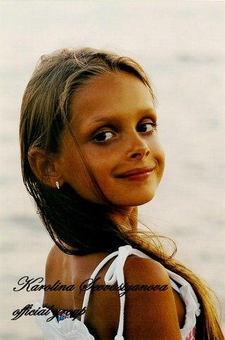 Раздетая и очень сексуальная Каролина Севастьянова на фото и видео