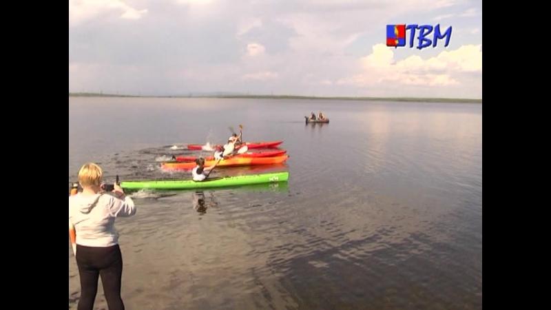 Гонка на каяках ко Дню металлурга. 15 июля на озере Лумболка состоялась регата, организованная турклубом «Сариола».