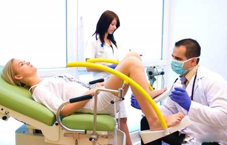 Большинству женщин придется посещать гинеколога перед операцией по восстановлению влагалища.